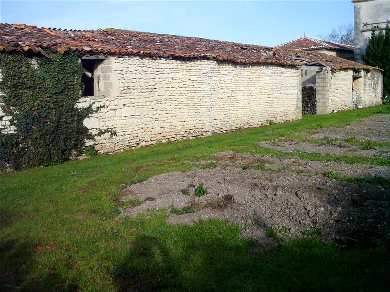 Grange MARCILLAC LANVILLE - 1 pièce  -   173 m²