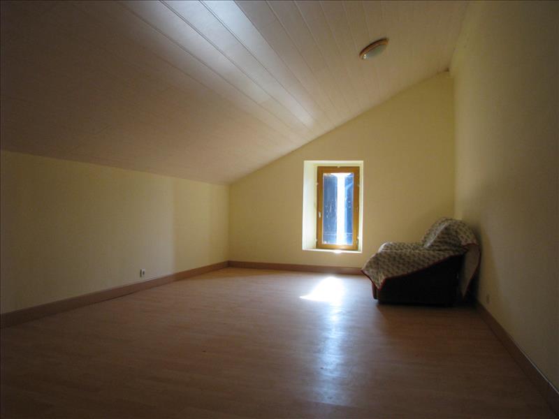 Maison NEUVICQ - 6 pièces  -   233 m²