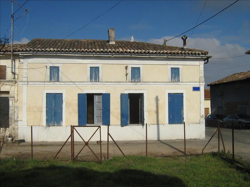 Maison CERCOUX - 3 pièces  -   95 m²