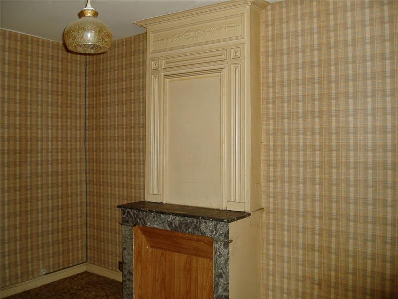 Maison MONTGUYON - 6 pièces  -   194 m²