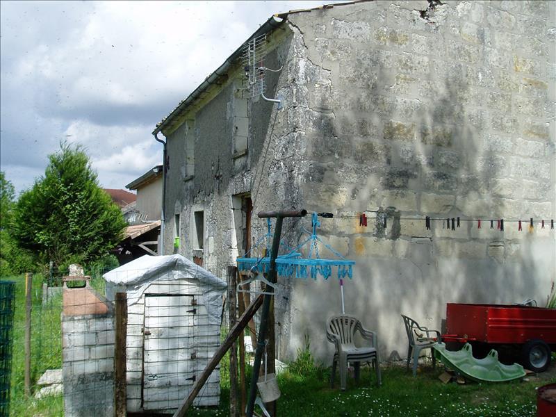 Maison MONTLIEU LA GARDE - 3 pièces  -   122 m²