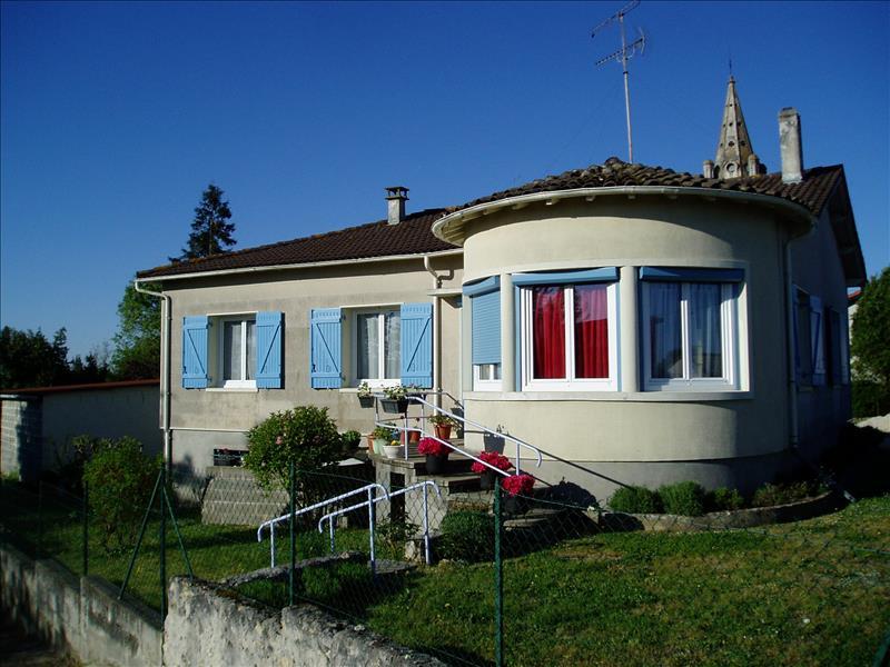 Maison MONTLIEU LA GARDE - 5 pièces  -   111 m²