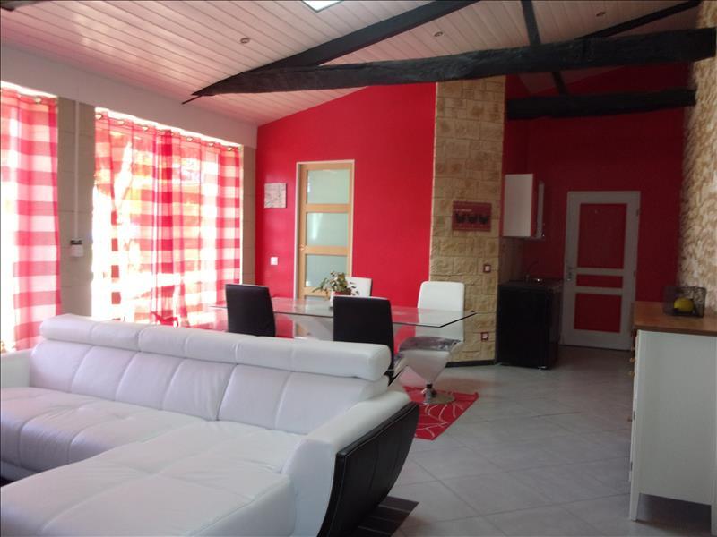 Maison LE FOUILLOUX - 9 pièces  -   337 m²