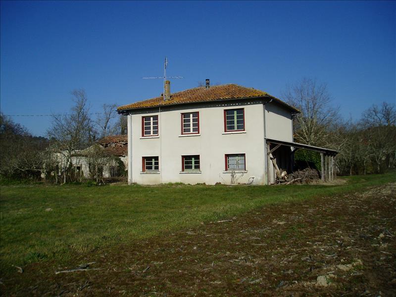 Maison ST AIGULIN - 6 pièces  -   120 m²