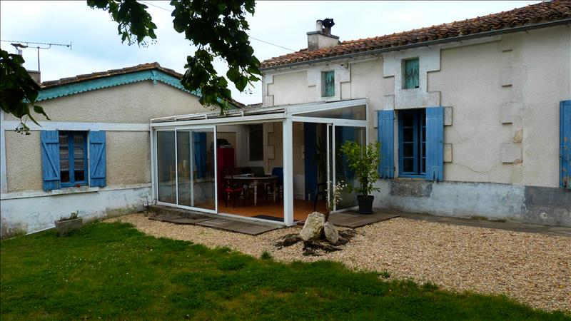 Maison BOSCAMNANT - 4 pièces  -   190 m²