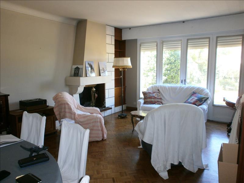Maison MONTLIEU LA GARDE - 7 pièces  -   195 m²