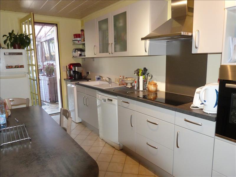 Maison CHEVANCEAUX - 6 pièces  -   128 m²