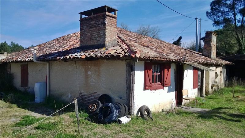 Maison ESCAUDES - 3 pièces  -   90 m²