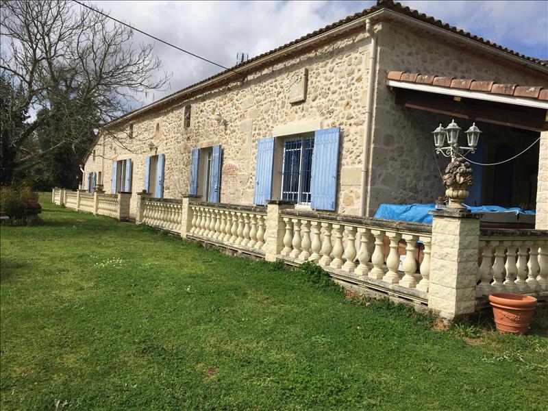 Vente Maison BERNOS BEAULAC (33430) - 6 pièces 184 m²