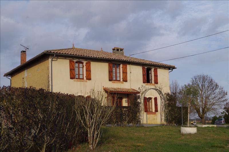 Maison ST CAPRAIS - 8 pièces  -   236 m²