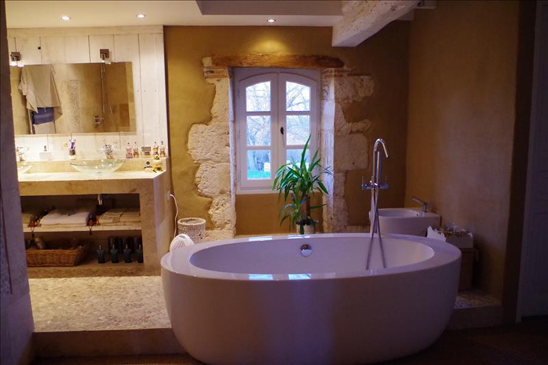 Maison MAUVEZIN - 6 pièces  -   230 m²