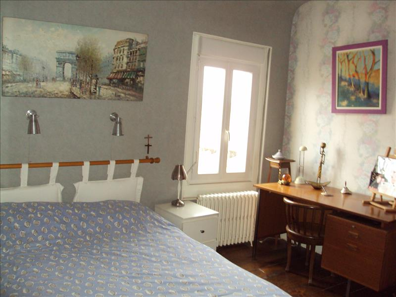 Maison ST PORQUIER - 8 pièces  -   204 m²