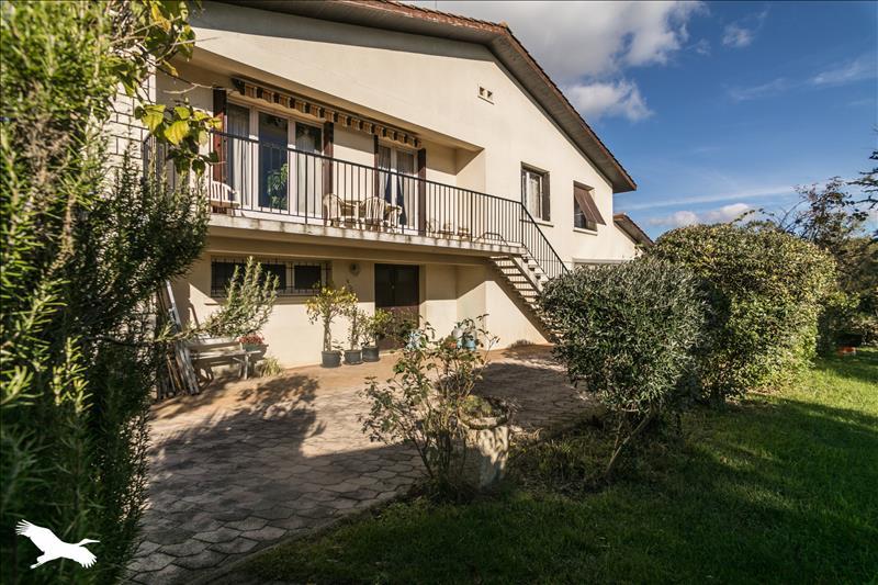 Maison  - 6 pièces    - 150 m² - AUTERIVE (32)
