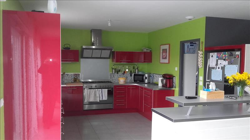 Maison MONTGAILLARD - 6 pièces  -   143 m²