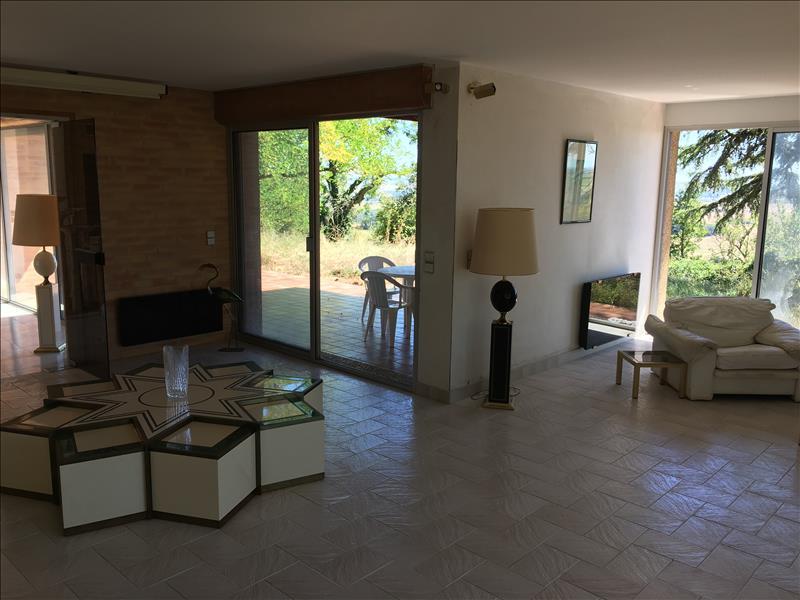Maison BEAUMONT DE LOMAGNE - 15 pièces  -   285 m²