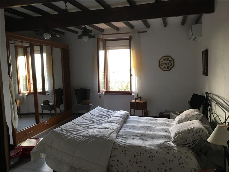 Maison BEAUMONT DE LOMAGNE - 4 pièces  -   100 m²