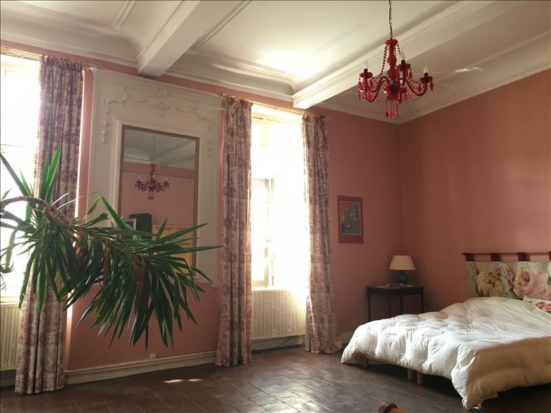 Maison BEAUMONT DE LOMAGNE - 9 pièces  -   275 m²