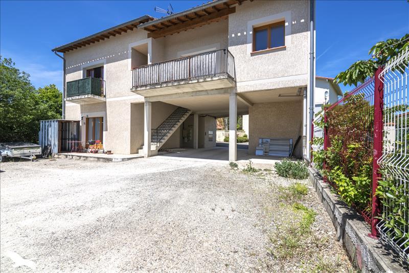 Immeuble    -   550 m² - BEAUMONT DE LOMAGNE (82)