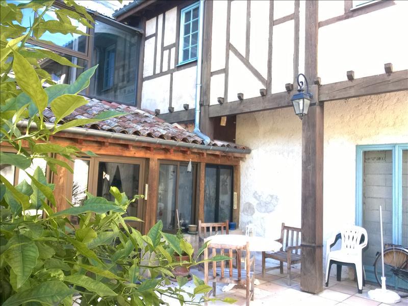 Maison CAZERES - 4 pièces  -   250 m²