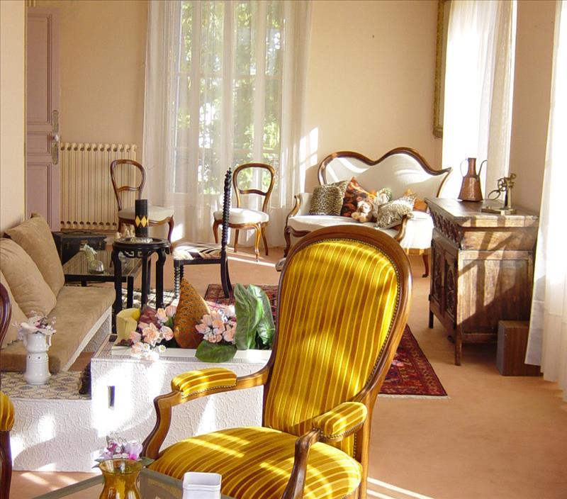 Maison CAZERES - 7 pièces  -   216 m²