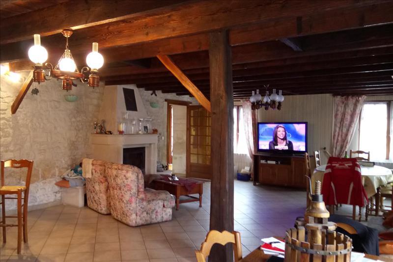 Vente Maison PONS (17800) - 7 pièces - 230 m² -