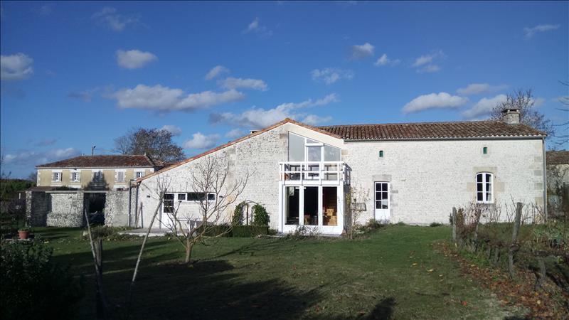 Vente Maison GERMIGNAC (17520) - 16 pièces 500 m²