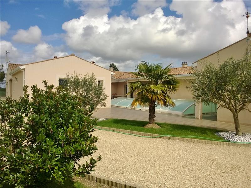 Vente Maison MONTILS (17800) - 5 pièces 169 m²