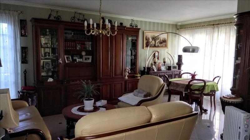 Vente Maison PONS (17800) - 6 pièces - 183 m² -