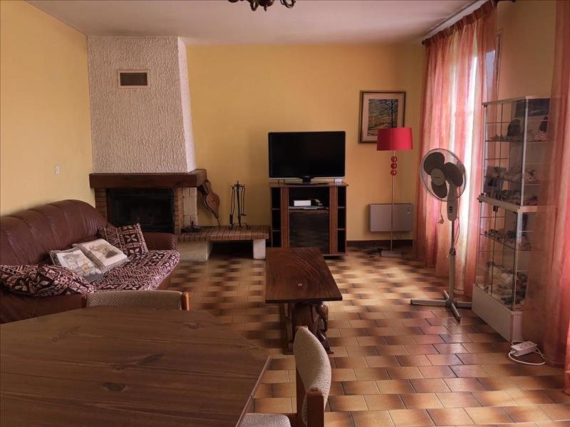 Vente Maison AVY (17800) - 7 pièces - 124 m² -