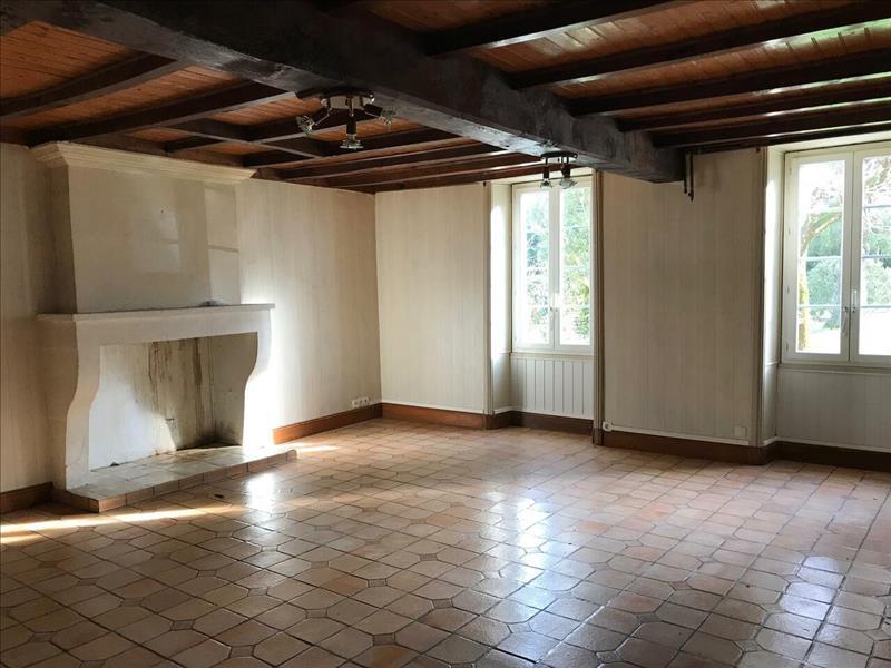 Vente Maison CELLES (17520) - 7 pièces - 166 m² -