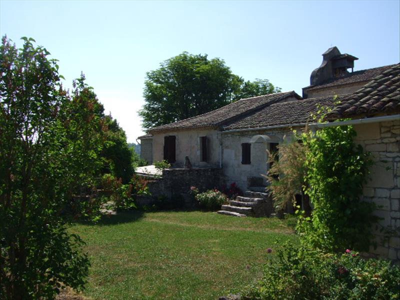 Maison LABASTIDE DE PENNE - 9 pièces  -   240 m²