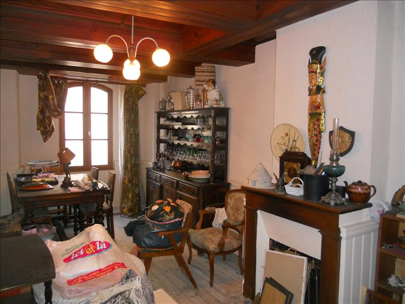 Maison CONCOTS - 7 pièces  -   181 m²