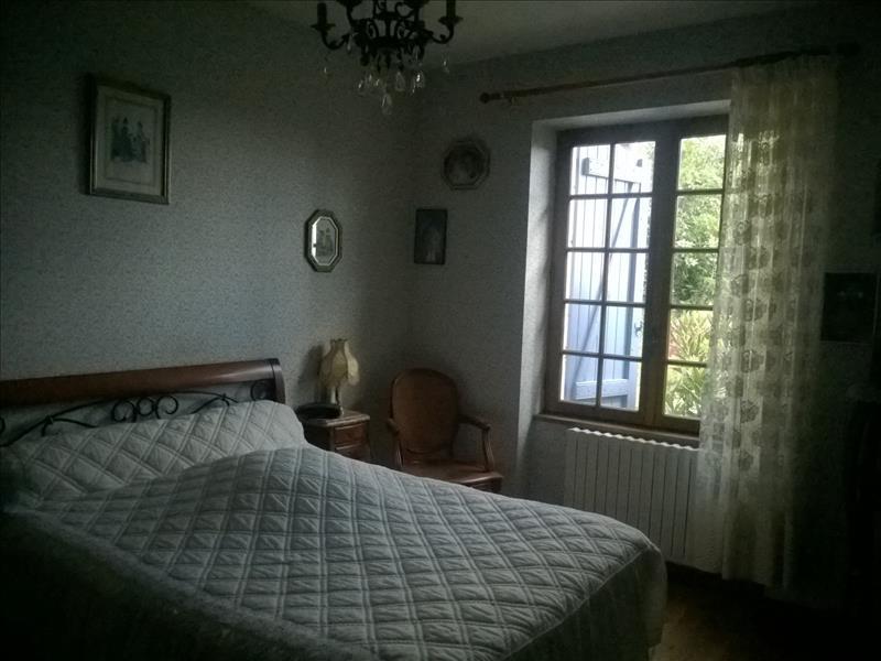 Maison PUYLAROQUE - 4 pièces  -   142 m²