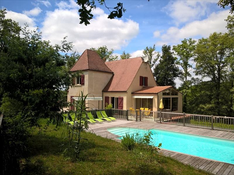 Maison GOURDON - 7 pièces  -   290 m²