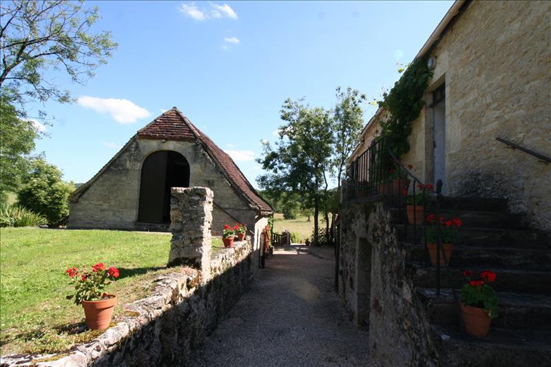 Maison GINOUILLAC - 8 pièces  -   170 m²