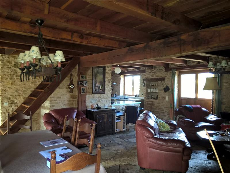 Maison CONCORES - 6 pièces  -   160 m²
