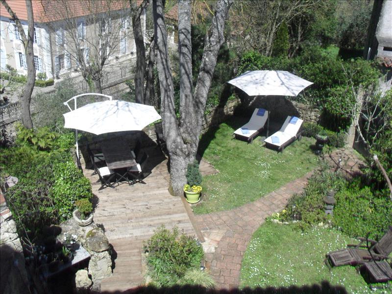 Maison MONTESQUIOU - 11 pièces  -   400 m²