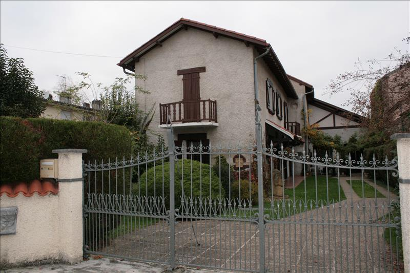 Maison VIC EN BIGORRE - (65)