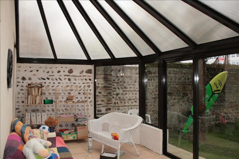Maison VIC EN BIGORRE - 9 pièces  -   261 m²