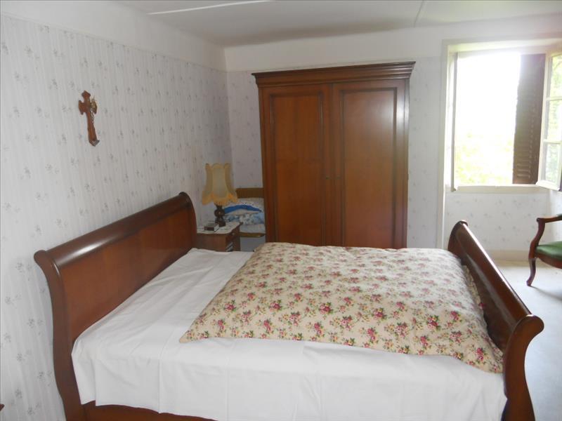 Maison DONZENAC - 4 pièces  -   120 m²