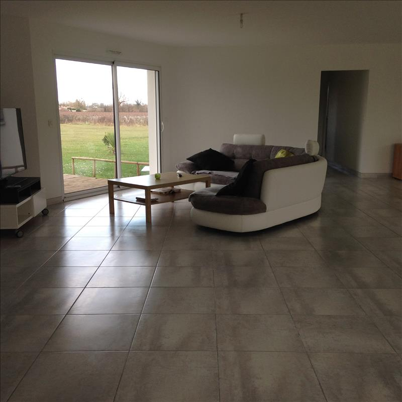 Maison VERTHEUIL - 5 pièces  -   158 m²