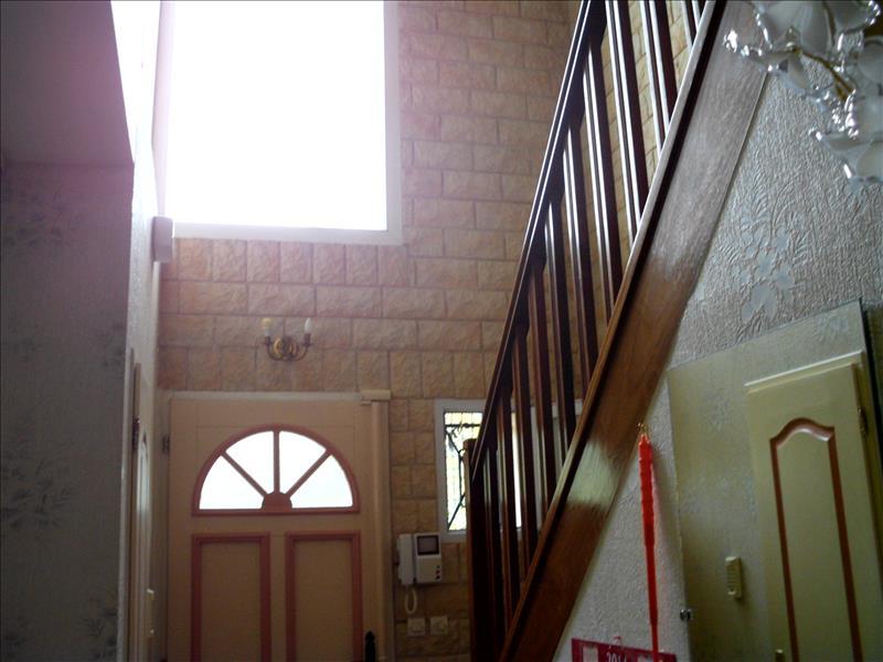 Maison MANTES LA VILLE - 5 pièces  -   121 m²