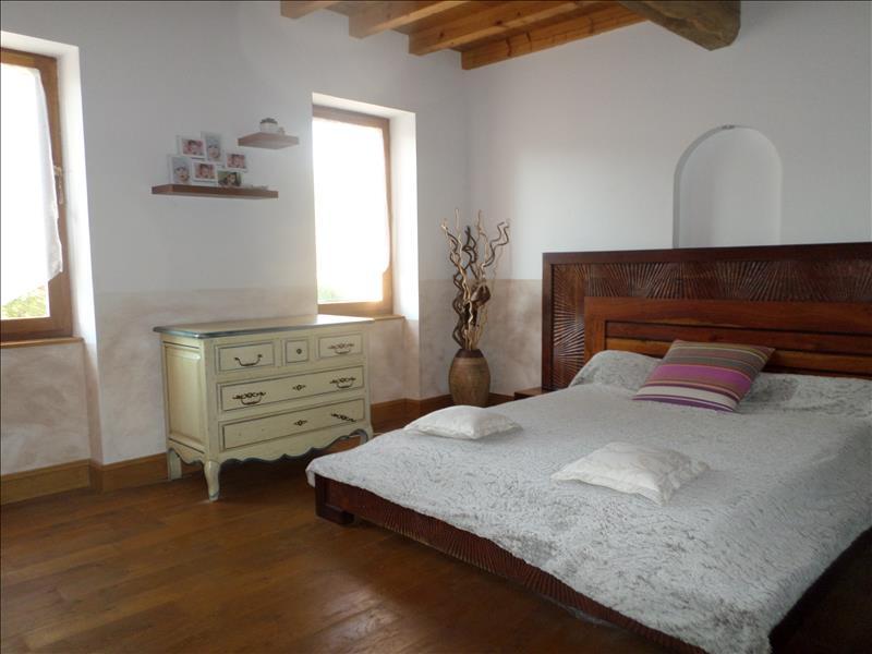 Maison RAZENGUES - 5 pièces  -   120 m²