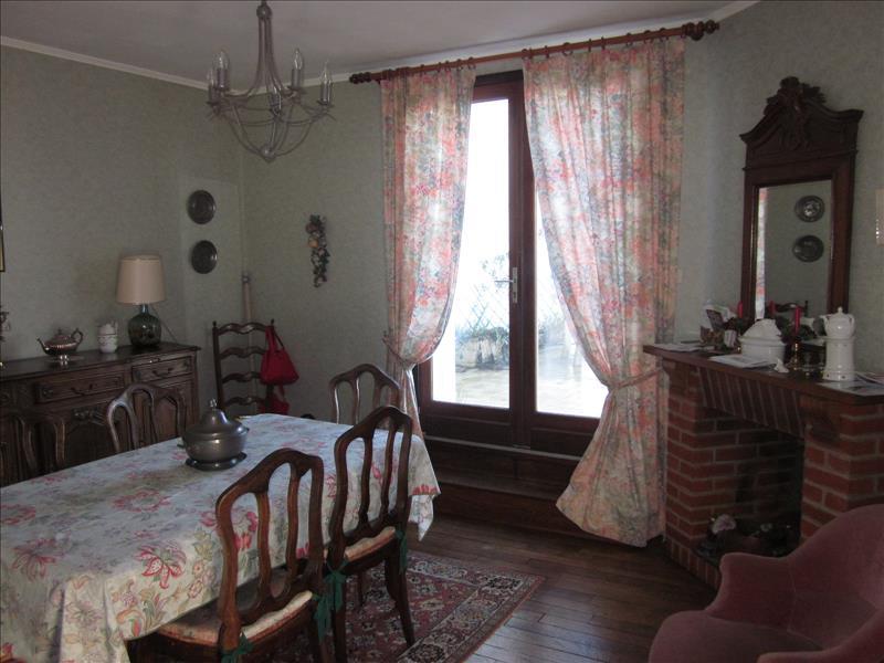 Maison THIVIERS - 12 pièces  -   244 m²