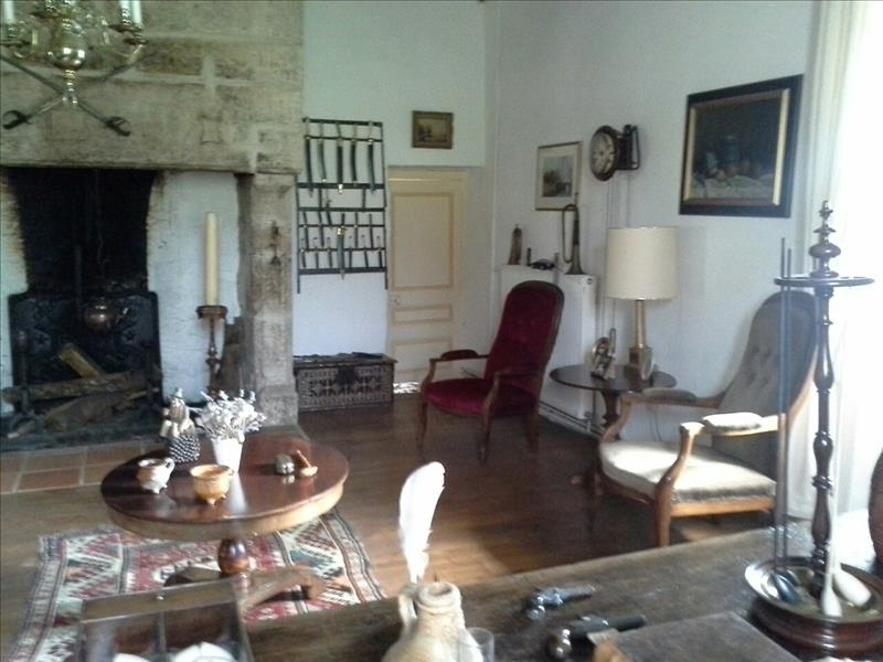 Maison CORGNAC SUR L ISLE - 12 pièces  -   335 m²
