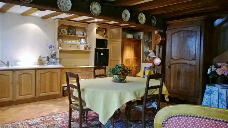 Maison ST JEAN DE COLE - 5 pièces  -   176 m²