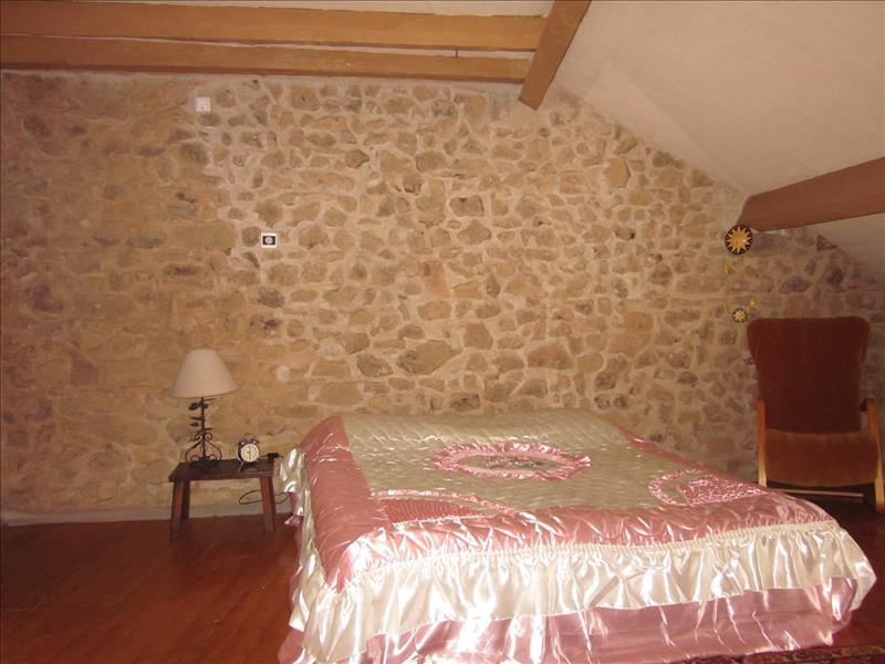 Maison MILHAC DE NONTRON - (24)