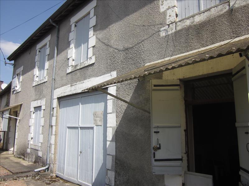 Maison MIALET - 3 pièces  -   73 m²