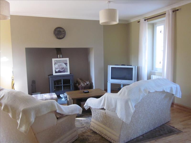 Maison ST MARTIN DE FRESSENGEAS - 4 pièces  -   100 m²