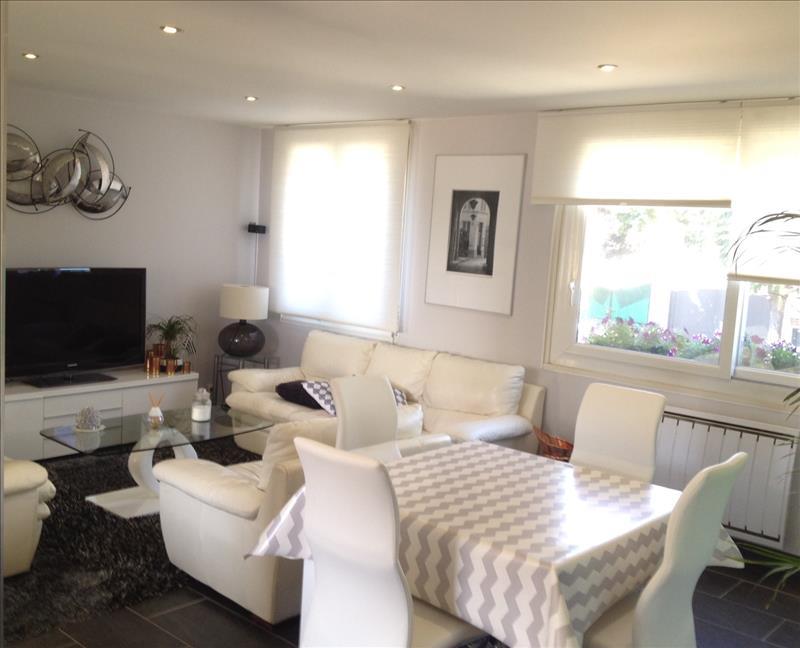 Maison AUBERGENVILLE - 5 pièces  -   82 m²